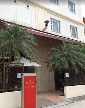 ホテルサンクイーンの外観写真