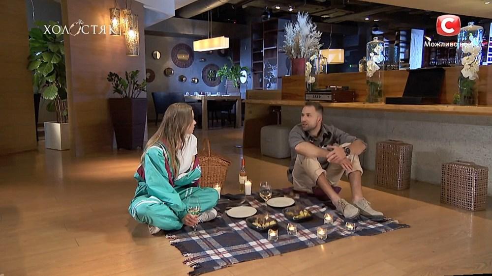 Холостяк 10 СТБ Свидание Макса и Наташи в Гулливере