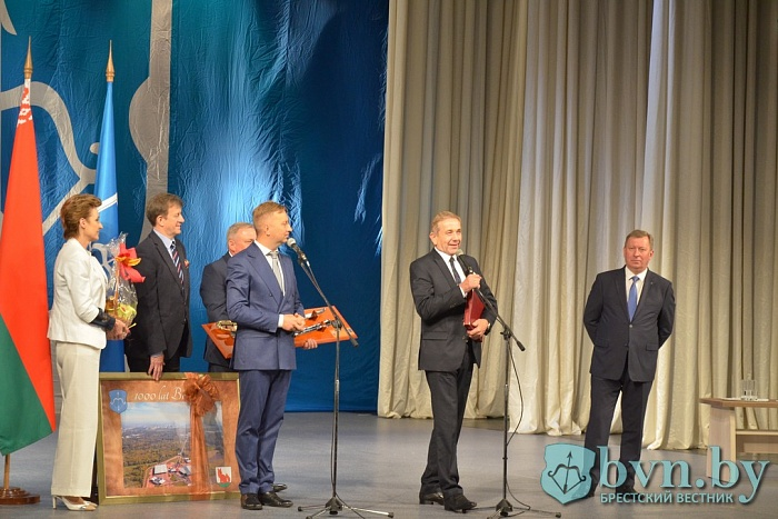 Равенсбург подарил Бресту 30 тысяч евро на аппарат УЗИ