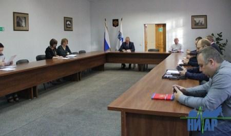 Жизнедеятельность Ивангорода обсудили на аппаратном совещании