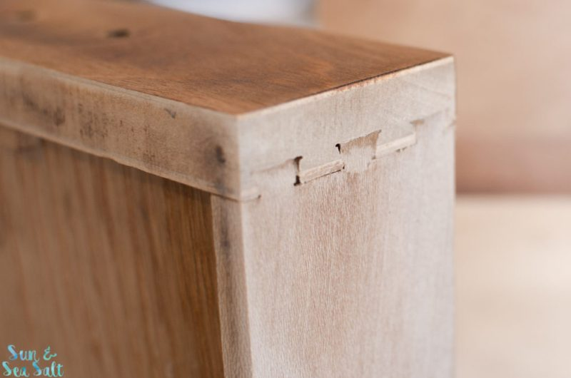 The drawers were well built with dovetailing, which usually means a higher quality build.