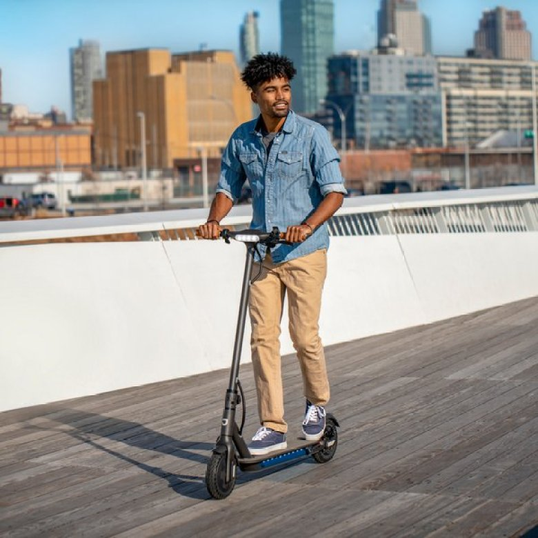 How to get around campus easier with the Jetson Quest Electric Scooter