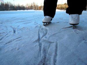 ice-skating-in-colorado-sundance-vacations-destinations