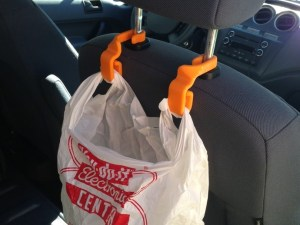 3D-Car-Seatback-Trash-Bag-Hooks-sundance-vacations