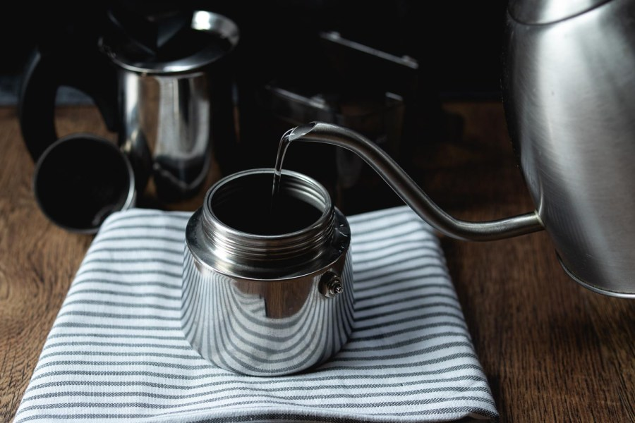 use boiling water to brew in a moka pot