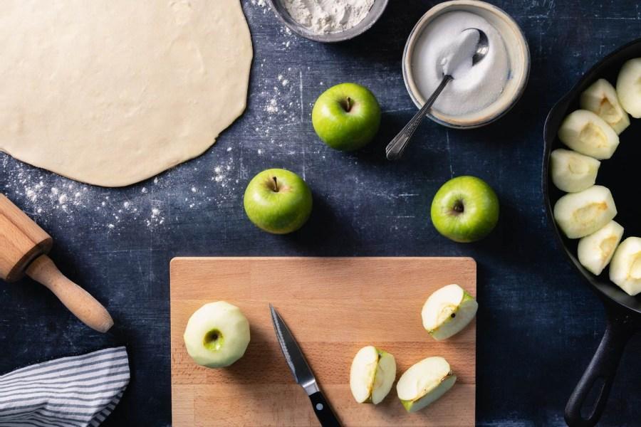 prepping the apples to make tarte tatin