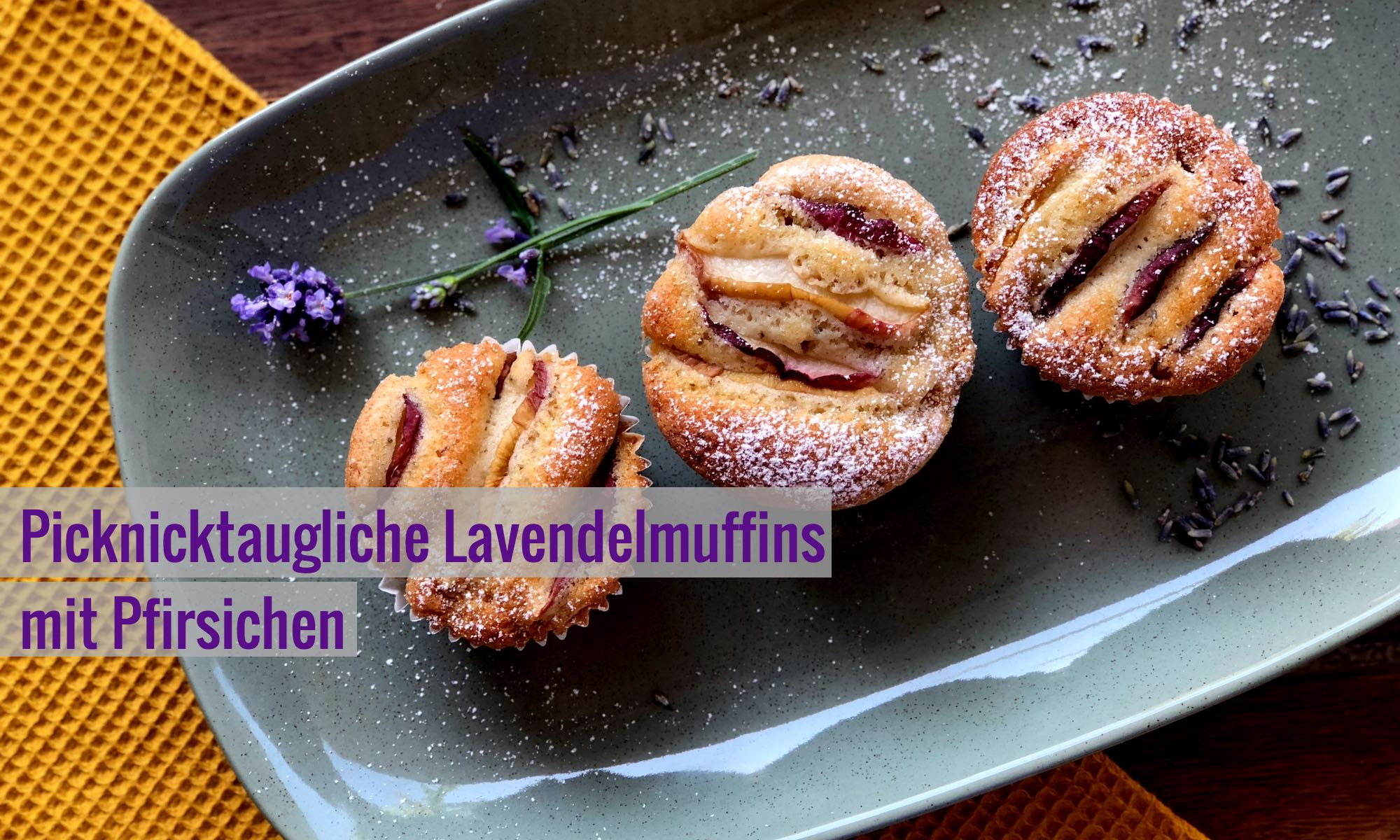 Lavendelmuffins mit Pfirsichen