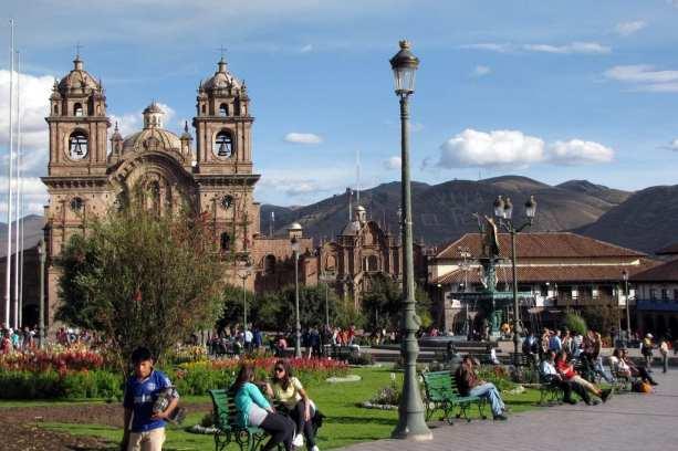 Roteiro do Peru - Boleto religioso de Cusco - Plaza de Armas e o Templo