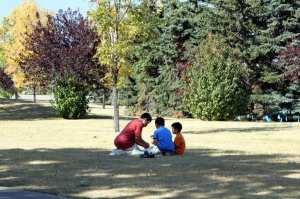 Eau Claire Rapid Rent - brincando no parque