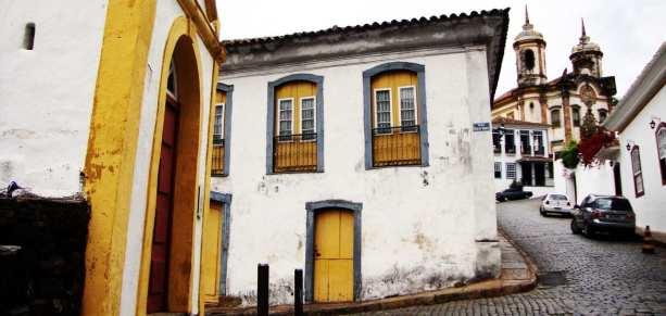 Onde comer em Ouro Preto - Restaurante Bené da Flauta ao fundo