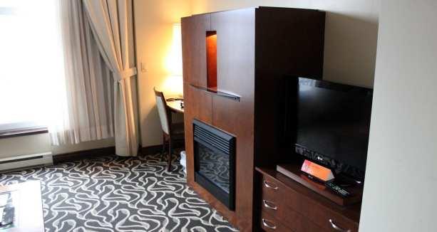Onde ficar em Montreal - le saint sulpice hotel - TV