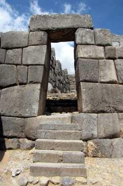Valle Sagrado - Sacsayhuamán - porta