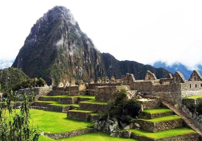 Machu Picchu e a montanha de Huayna Picchu ao fundo