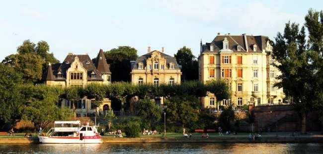 Passeio em Frankfurt - passeio de barco pelo rio Main 4
