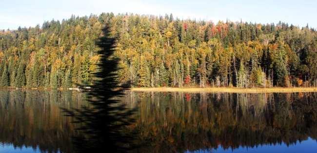 Viajar de trem no Canadá - The Canadian - paisagem dos lagos