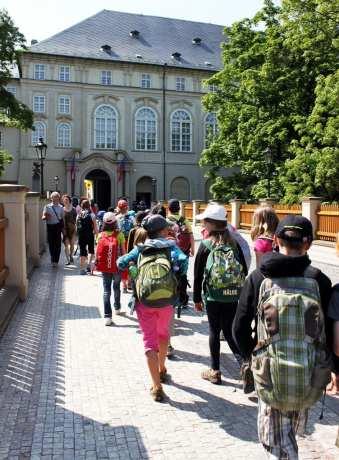 Cenas de Praga - Vamos ao Castelo de Praga estudar história