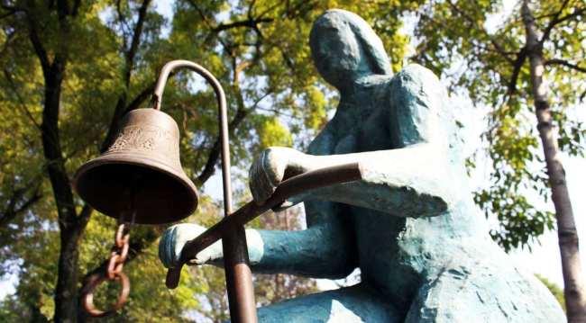 Roteiro pelo Bosque de Chapultepec - Estátua na rua