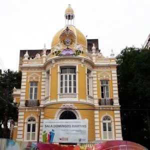 Montanhas - Sala Domingos Martins restaurada em frente ao Palácio Anchieta de Vitória