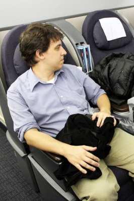 Como é voar na Classe Executiva da United Airlines -  Espaço das cadeiras