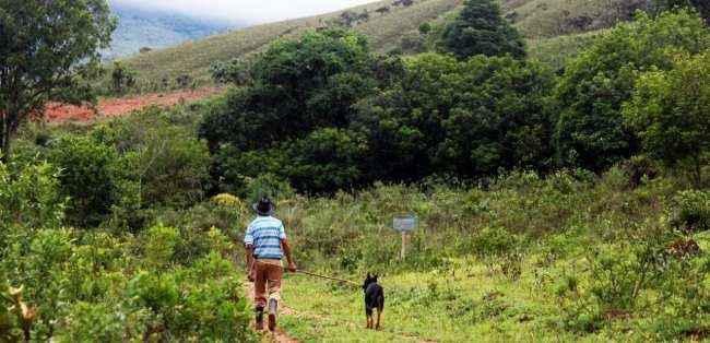 Serra da Canastra - Tio Zezico e sua cachorra fiel