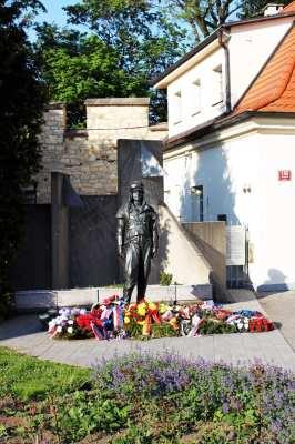 Petrin em Praga - Estátua 1