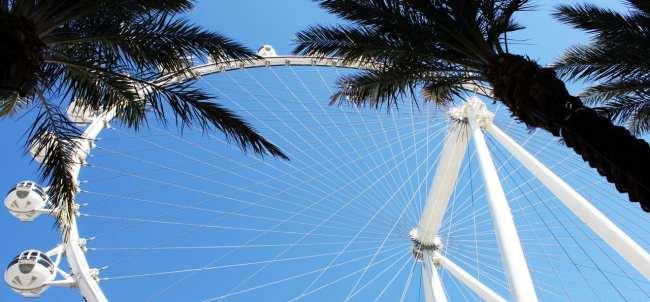 Las Vegas The LINQ - High Roller vista de baixo 2