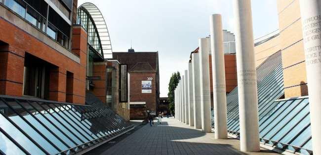 Museu Nacional Germânico de Nuremberg - Lateral nova