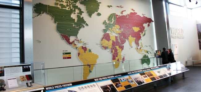 Roteiro de Washington - Newseum mapa imprensa livre