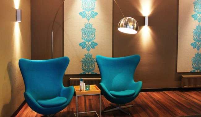 Review Motel One - Quero essas cadeiras