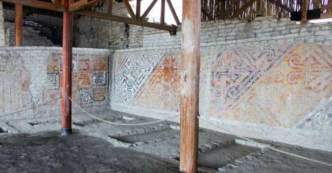 Trujillo Complexo El Brujo e Senhora de Cao - Detalhes das pinturas das paredes