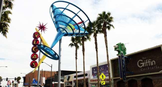 Walking Tour Downtown Vegas - Fremont Experience 1