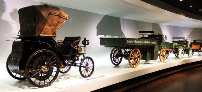 Stuttgart - Museu da Mercedes-Benz Carros 1