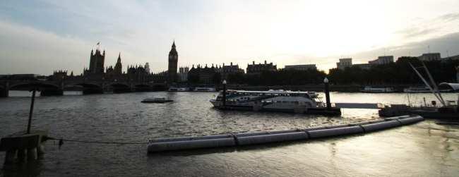 Guia de Londres KLM - rio tamisa