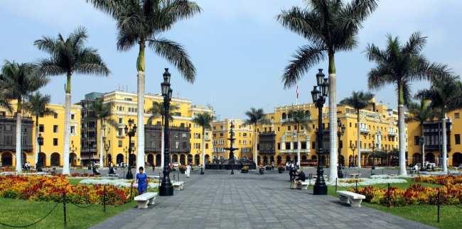 Como ir do aeroporto ao centro de Lima - Plaza de Armas