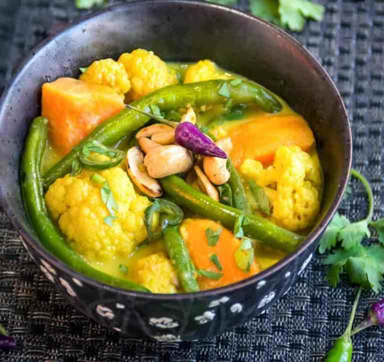 11-sri-lankan-vegetable-curry-from-panning-the-globe