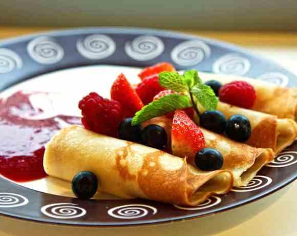 Easy Strawberry Crepes #WeekdaySupper #FLStrawberry