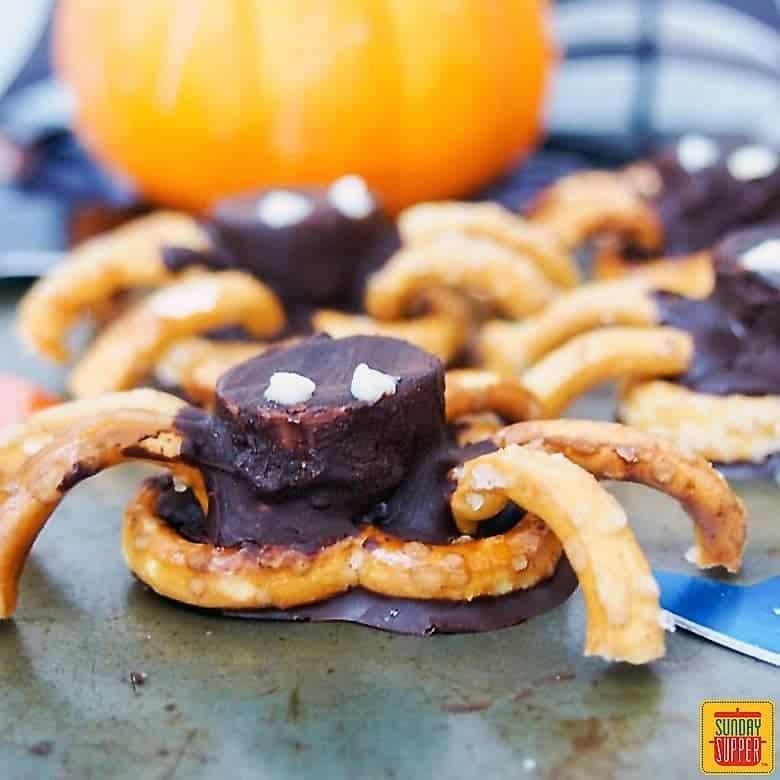Chocolate Pretzel Spiders - Sunday Supper Movement