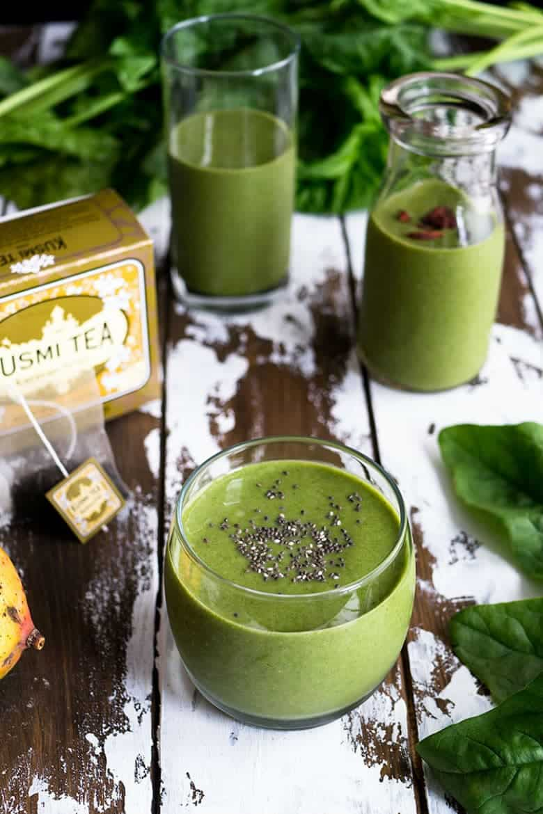 Black Tea Infused Green Spinach Smoothie