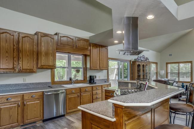 3650 N Main St El Dorado KS-large-024-089-Kitchen-1500x1000-72dpi