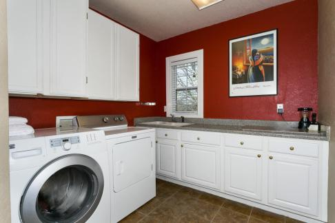 3650 N Main St El Dorado KS-large-051-067-Laundry Room-1500x1000-72dpi