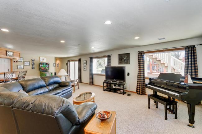 3650 N Main St El Dorado KS-large-053-022-Family Room-1500x1000-72dpi