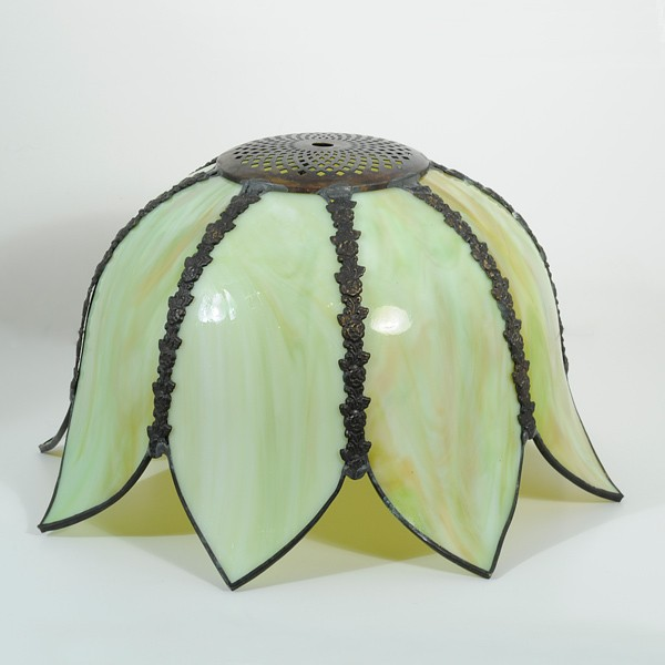 1900 Lamp Shades Antique Tulip Slag Eight Panels Of Green And Amber Slag Glass