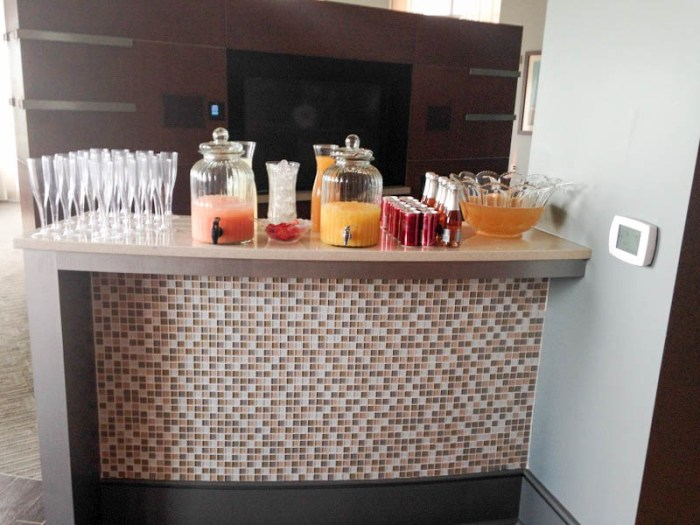 Baby Shower Champagne Bar