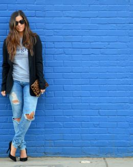 tee with blazer, distressed jeans, boyfriend jeans,