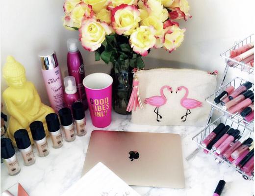 Desk Inspo, Desk Decor, Makeup Vanity
