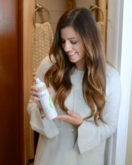 Dove Refresh + Care Detox Purify Dry Shampoo by beauty blogger Jaime Cittadino of Sunflowers and Stilettos