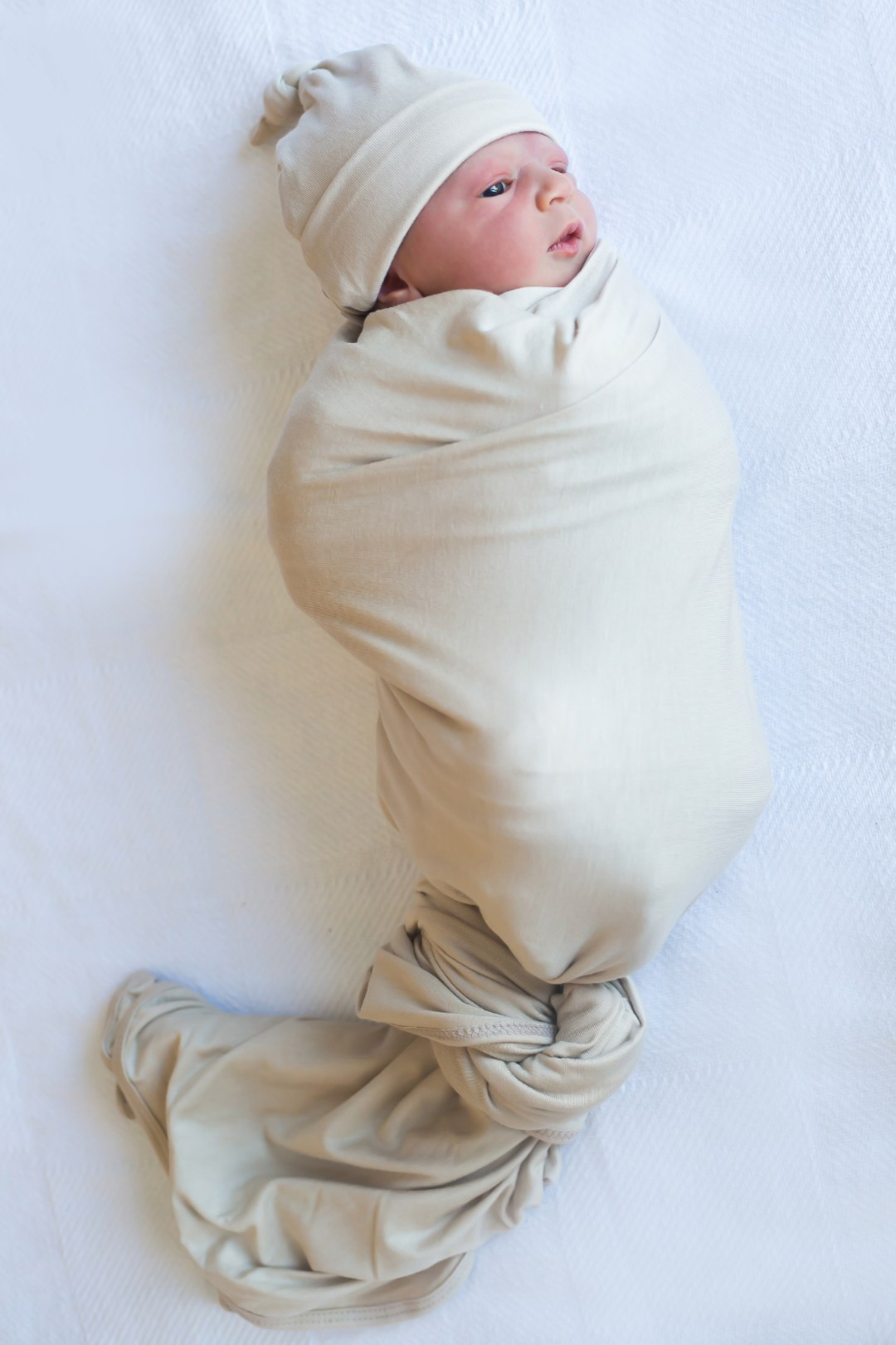 Lou Lou and Company swaddle blanket, newborn photography tips, South Florida lifestyle blog Sunflowers and Stilettos