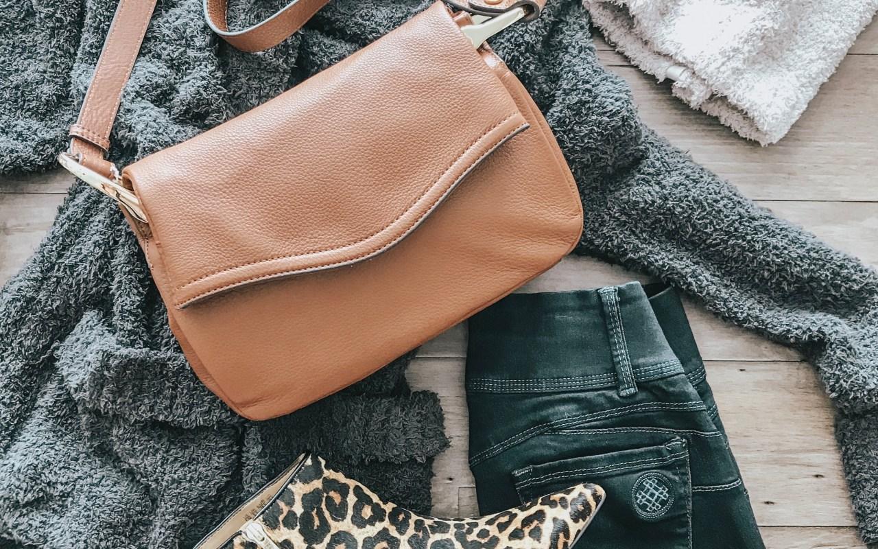 Happy National Handbag Day!