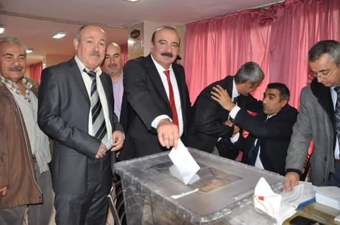 Cumhuriyet Halk Partisi (CHP) Sungurlu İlçe Başkanlığı olağan kongresinde mevcut ilçe başkanı Ali Erayhan güven tazeledi.