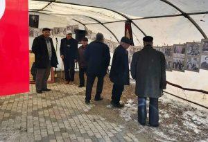 Ülkü Ocakları Sungurlu İlçe Başkanlığı ocak binası önünde Başbuğ Alparslan Türkeş Fotoğraf Sergisi açtı.